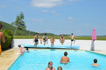 Camping les vignes piscine 1