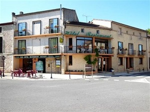 Hôtel Restaurant Henry**